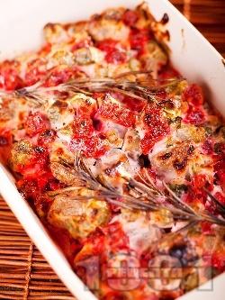 Агнешко печено с кисели краставички, цвекло, розмарин и сметанов сос в тава на фурна - снимка на рецептата